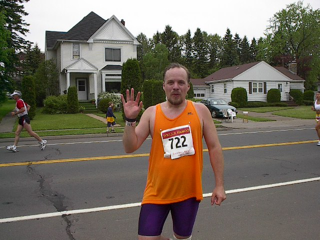 Lane R. Ellis at 20 miles into the 2002 Grandma's Marathon at 5002    London Road in Duluth, Minnesota, where I met up with Julie