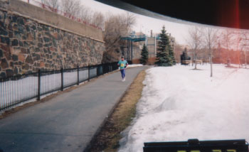 Lane R. Ellis coming in to finish fourth overall in the 2004 Steve Chadwick 5K in Duluth, Minnesota